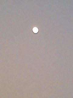 2日の夜と今夜の月