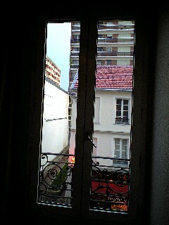 パリの空の下 2